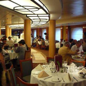 Stravování na plavbách s RIVIERA TOUR